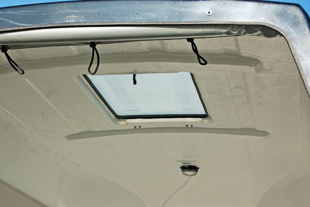 Dachfenster im Anhänger