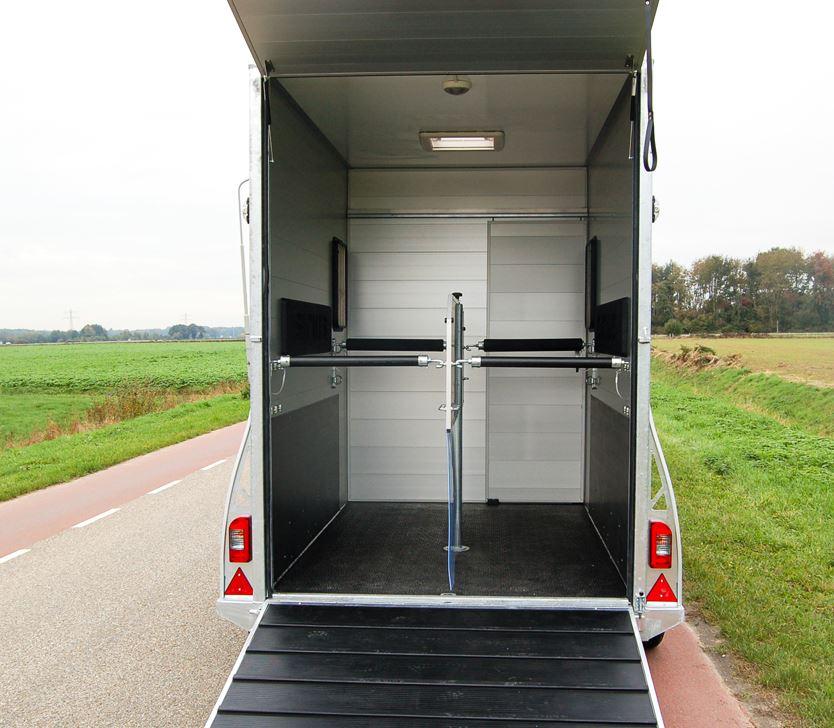 Sirius Anhänger S150 für Pferde